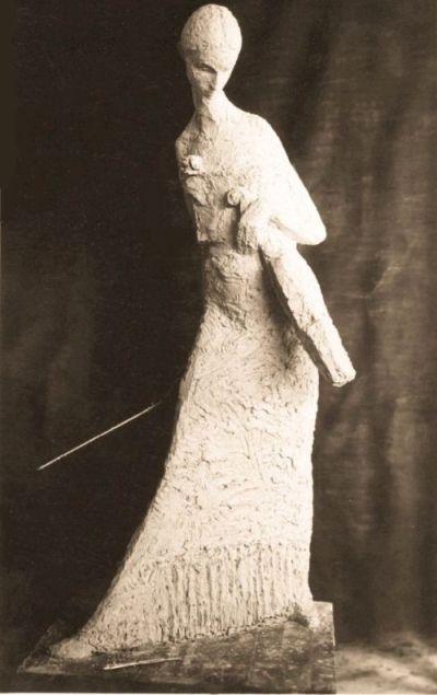 Skrzypaczka, gips, wys. 180 cm, 1956 r.a